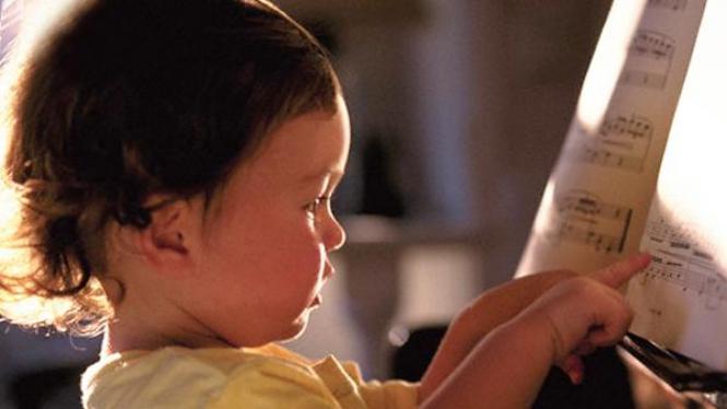 Bayi Belajar Musik