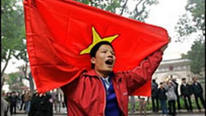 Warga Vietnam Menentang Aksi Militer Cina di Laut Cina Selatan