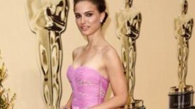 Natalie Portman di Malam Oscar