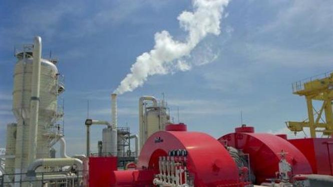 Pembangkit listrik dari energi terbarukan, panas bumi.