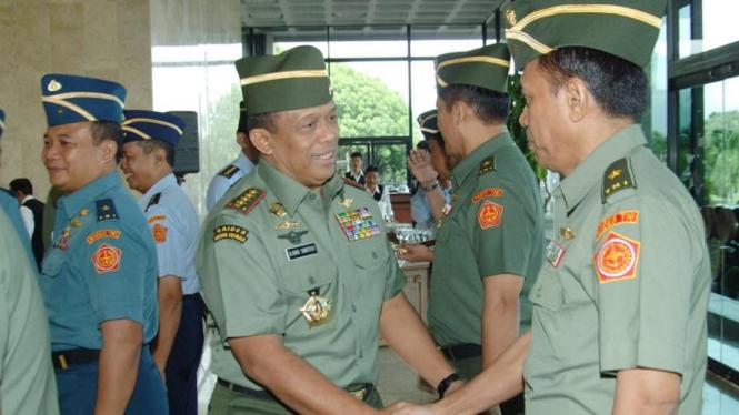 Panglima TNI beri selamat pada 12 pati naik pangkat