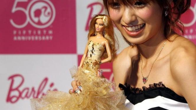 Boneka Barbie Merayakan HUT ke-50