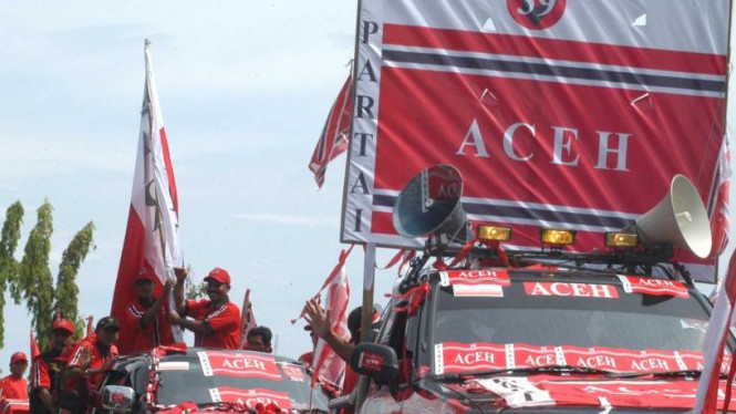 Partai Aceh berkonvoi di Banda Aceh