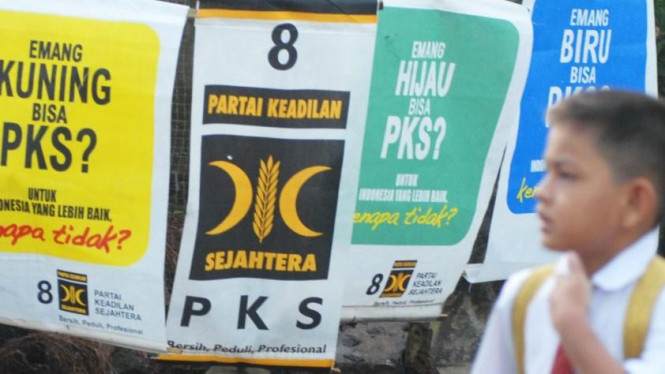 Slogan warna-warni PKS
