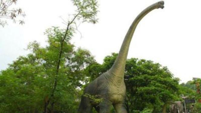 Dinosaurus leher panjang jenis sauropoda