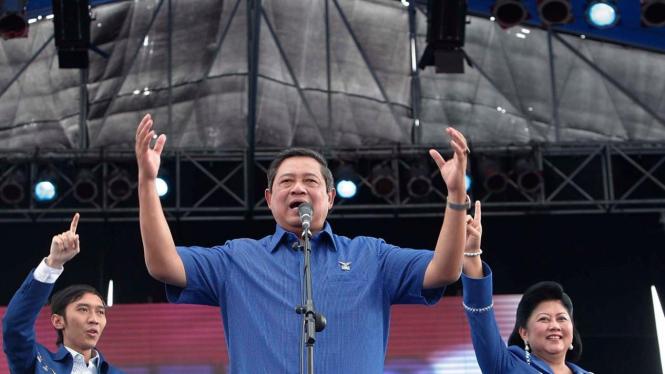 Yudhoyono, Ibu Ani dan Edhie Baskoro kampanye Demokrat di Yogyakarta