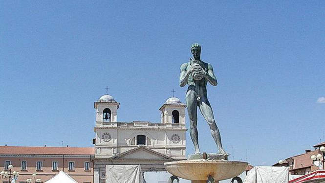 Alun-alun di Kota L'Aquila, Italia