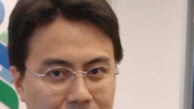 Fauzi Ichsan, Ekonom Stanchart