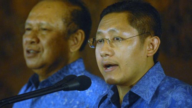 Ketua Umum Demokrat Hadi Utomo dan Anas Urbaningrum