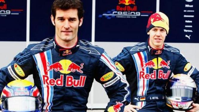 Mark Webber (kiri) & Sebastian Vettel