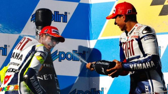 Moto Grand Prix Jepang : Jorge Lorenzo (kanan) dan Valentino Rossi