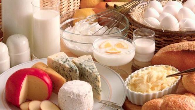Susu dan produk olahannya yang berkalsium tinggi