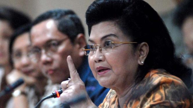 Menkes, Siti Fadilah Supari memberikan keterangan terkait kasus flu babi
