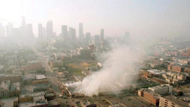 Suasana kerusuhan di Kota Los Angeles, Amerika Serikat