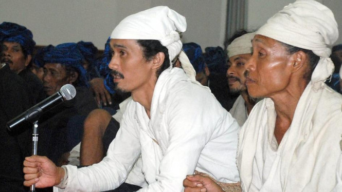 Ketua Adat Baduy Dalam, Ayah Mursyid, berbicara pada Gubernur