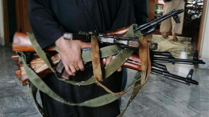 Koleksi senjata milik milisi Taliban di Afganistan