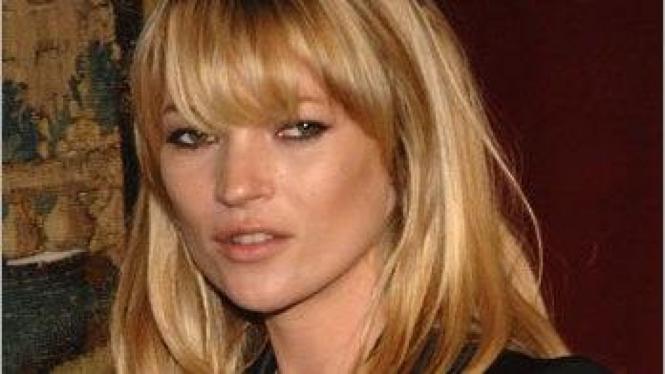 Rambut berponi Kate Moss