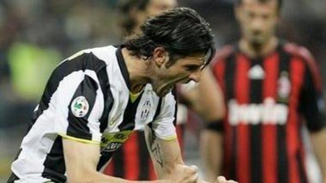 Vincenzo Iaquinta usai cetak gol