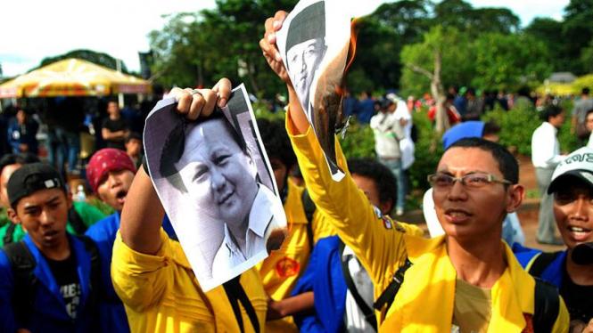 Demo Tuntaskan Kasus Tragedi 12 Mei