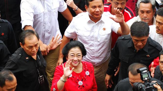 Mega-Prabowo Daftar ke KPU