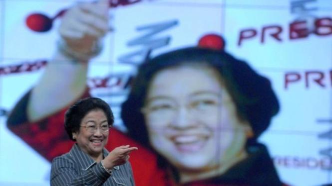 Megawati Soekarnoputri berdialog dengan KADIN