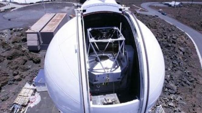 Teleskop pencari asteroid