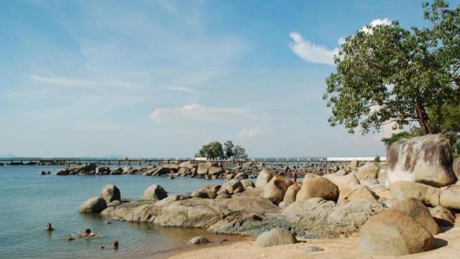 Pantai Sinka, Singkawang, Kalimantan Barat
