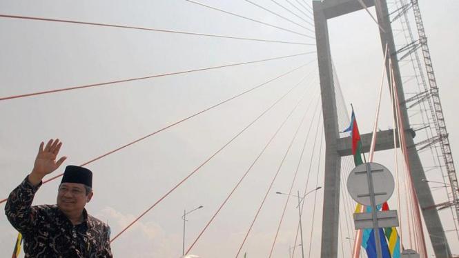 SBY meresmikan Jembatan Suramadu