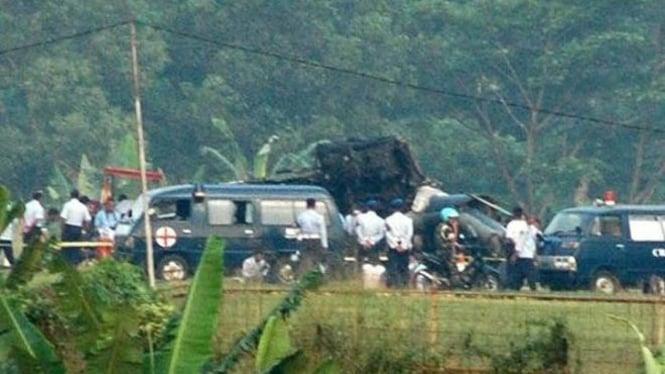 Helikopter Puma TNI AU jatuh di Bogor