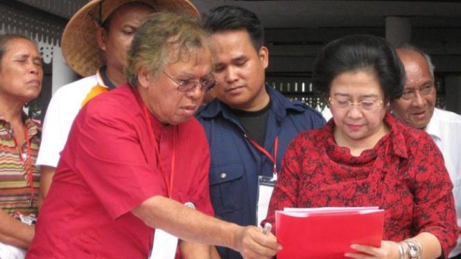 Megawati Soekarnoputri dan Panda Nababan