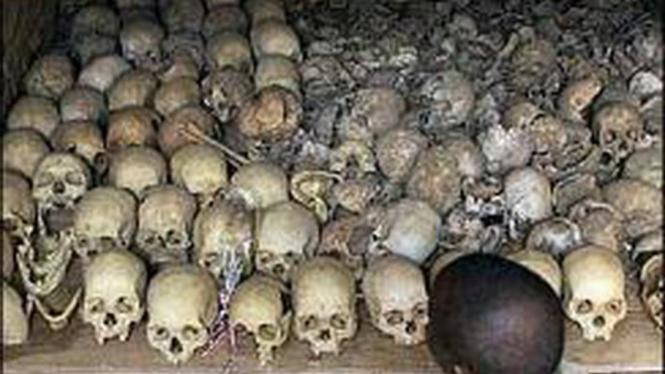 Kumpulan tengkorak para korban genosida di Rwanda