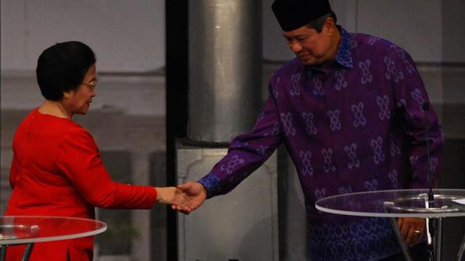Susilo Bambang Yudhoyono dan Megawati Soekarnoputri saat bertemu beberapa waktu silam.