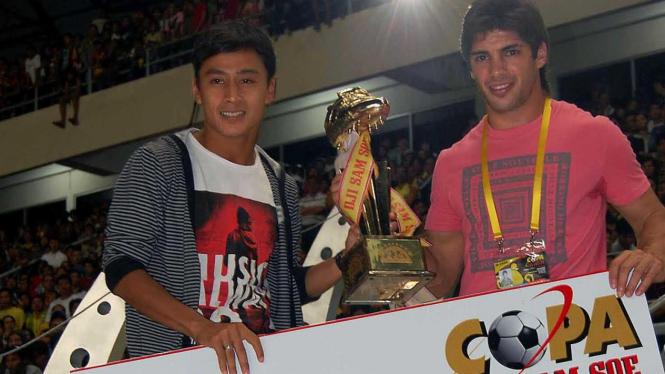 Samsul Arif (kiri) & Pablo Frances