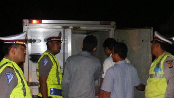 Polisi Subang razia mobil boks