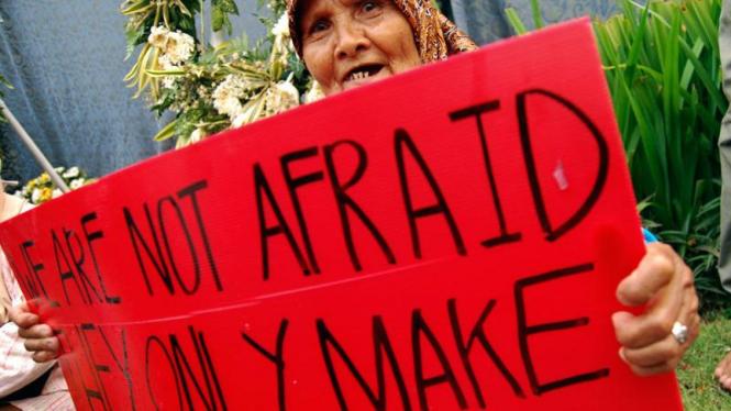 Aksi Damai Mengecam Terorisme Ritz Carlton dan Marriott