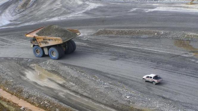 Kegiatan penambangan tembaga dan emas PT Newmont Nusa Tenggara