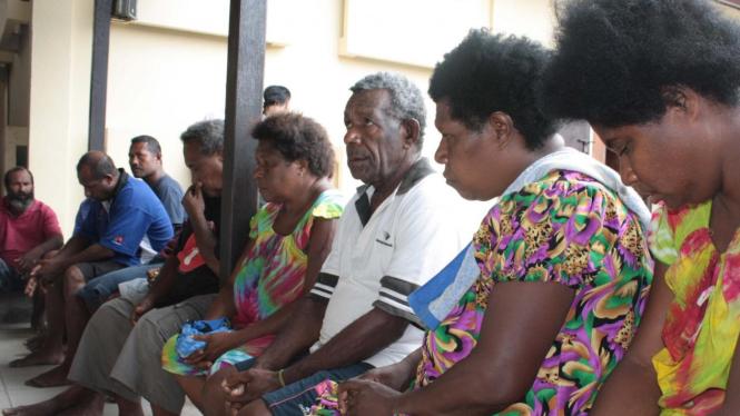 Warga Papua Nugini ilegal