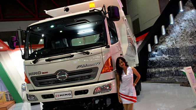 Perusahaan Raksasa Otomotif Dunia Bertarung di Pasar Truk Indonesia