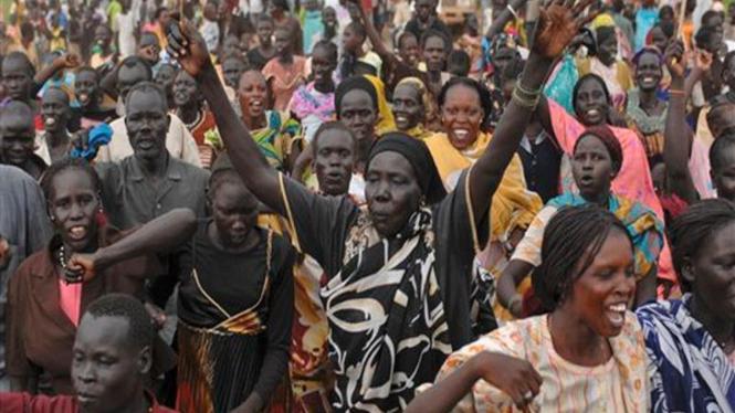 Penduduk desa Abyei merayakan penetapan wilayah perbatasan di Sudan
