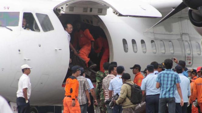 Jasad korban Pesawat Merpati di Papua