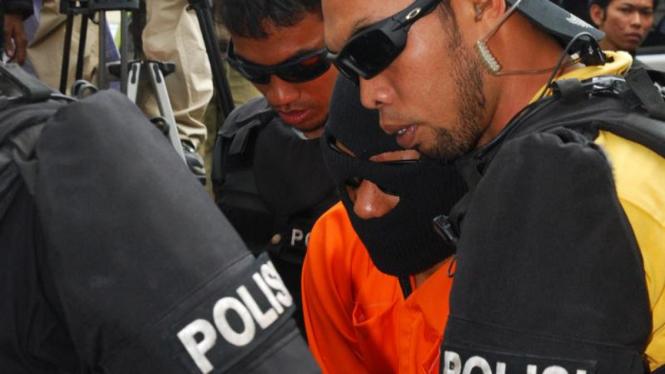 Dua Kawanan Teroris Temanggung Tiba di Mako Brimob Kelapa Dua