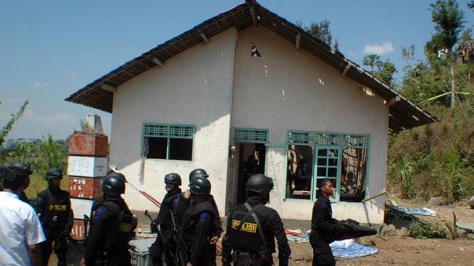 Penyerbuan Rumah Teroris di Temanggung oleh Densus 88
