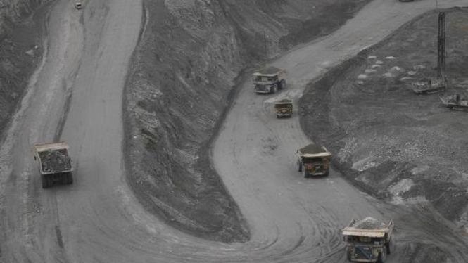 Kegiatan penambangan di lapangan tambang emas milik Freeport, di Papua.