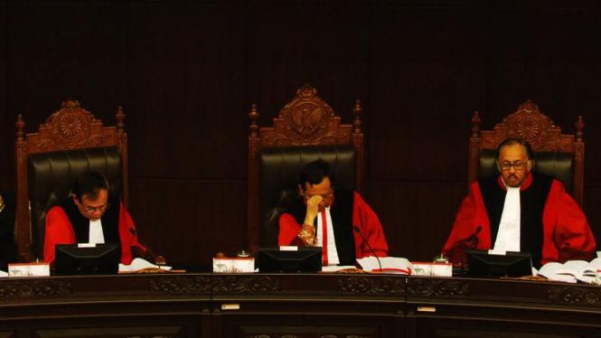 Mahkamah Konstitusi Tolak Gugatan Mega dan JK