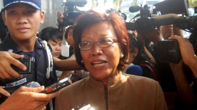 Sekretaris Jenderal DPR Nining Indra Saleh dipanggil KPK