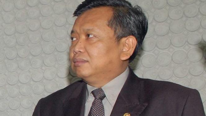 Akhmad Muqowam