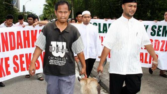 Sejumlah warga di Selangor, Malaysia, memprotes pembangunan kuil Hindu