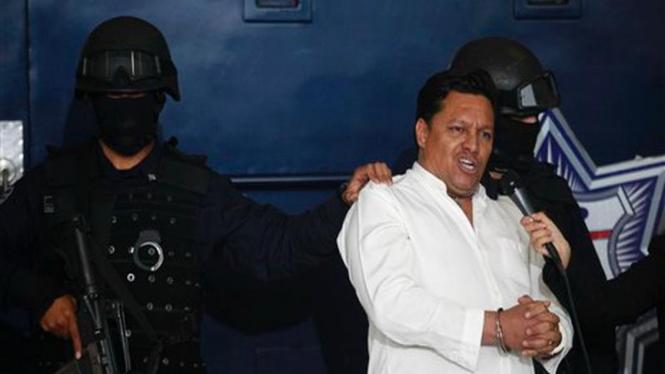 Jose Flores diamankan polisi Meksiko setelah sempat membajak pesawat