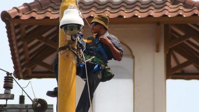 Pemasangan CCTV pemantau lalu lintas