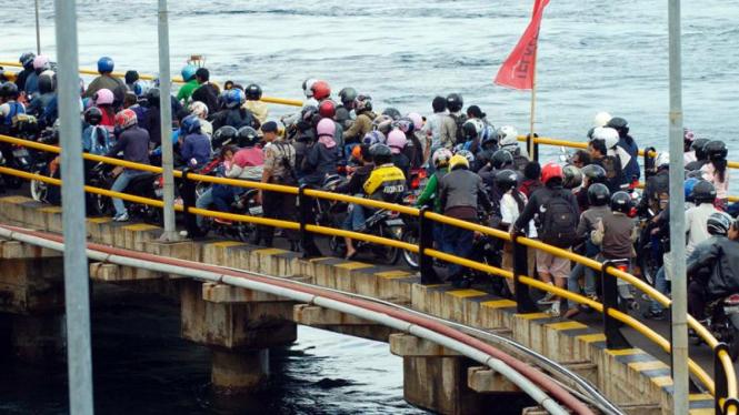 Mudik Lebaran: Pelabuhan Gilimanuk, Bali